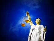 Jak znaleźć dobrego prawnika?