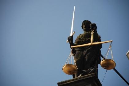 Normy prawne w życiu społecznym
