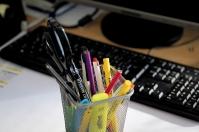 Niezbędnik biurowy, czyli co w biurze znaleźć się powinno