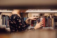 Stylowa biblioteczka do gabinetu i biura
