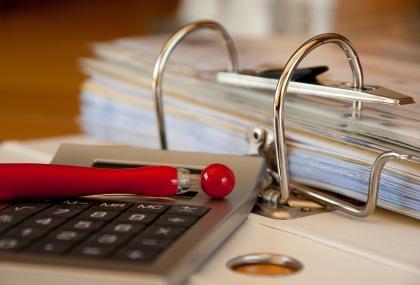Pudełka archiwizacyjne niezastąpione w porządkowaniu dokumentów